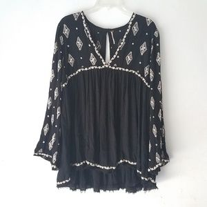 FREE PEOPLE EMBROIDERY LONG SLEEVE TUNIC TOP VNECK